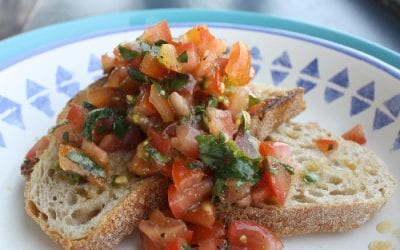 Healthy bruschetta recipe with tomatoes, basil and olive oil