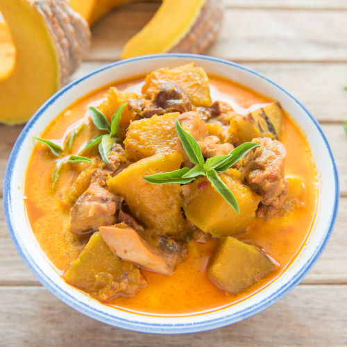 Pumpkin chicken curry with cashews